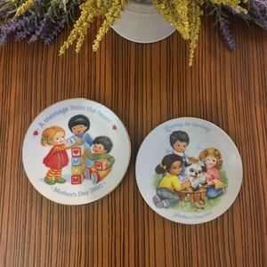 Vtg Avon 1989 & 1990 Mothers Day Decorative Plates